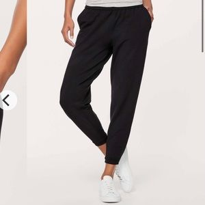 Lululemon Twisted and Tucked Jogger *4
